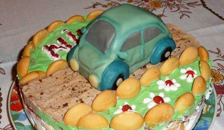 piskotova_torta_auto